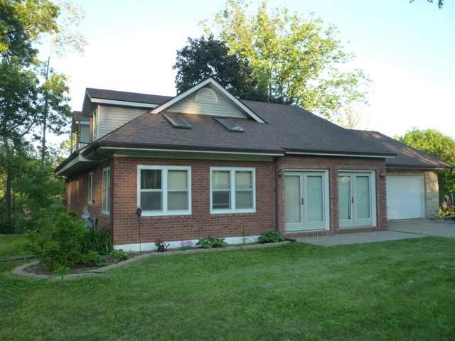 1207 Berlin Street, Waupaca, WI 54981 (#50223447) :: Todd Wiese Homeselling System, Inc.