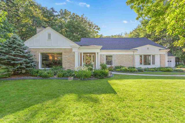 130 Little Swiss Place, Green Bay, WI 54302 (#50223461) :: Todd Wiese Homeselling System, Inc.