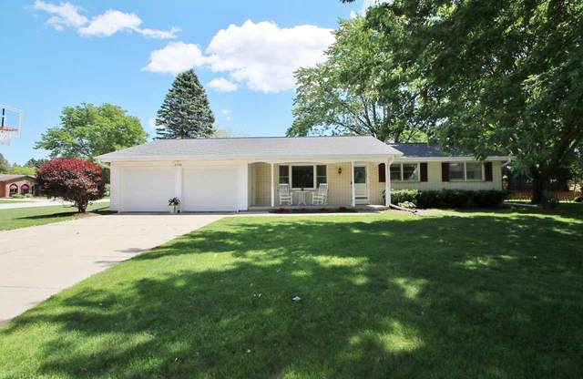 2733 Clive Street, Green Bay, WI 54313 (#50223517) :: Todd Wiese Homeselling System, Inc.