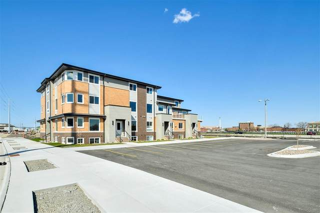 400 Donald Driver Way #4, Green Bay, WI 54303 (#50223552) :: Todd Wiese Homeselling System, Inc.