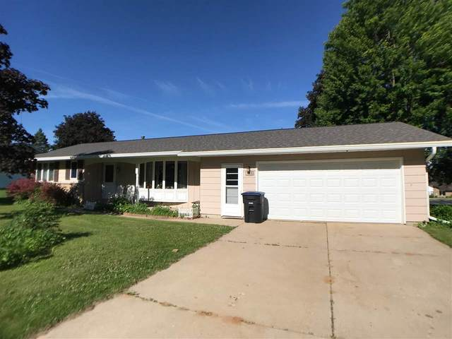1225 S Park Street, Shawano, WI 54166 (#50223603) :: Todd Wiese Homeselling System, Inc.