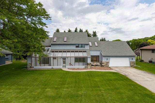 1044 Jacobsen Road, Neenah, WI 54956 (#50223623) :: Dallaire Realty