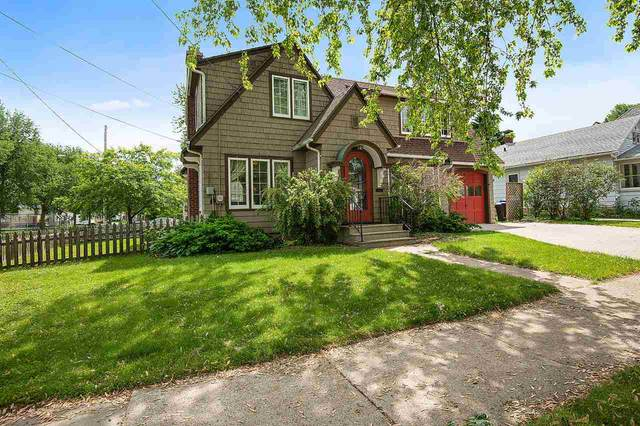 226 N Meade Street, Appleton, WI 54911 (#50223640) :: Todd Wiese Homeselling System, Inc.