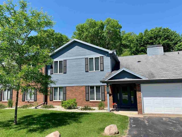 2949 Mossy Oak Circle A, Green Bay, WI 54311 (#50223645) :: Todd Wiese Homeselling System, Inc.