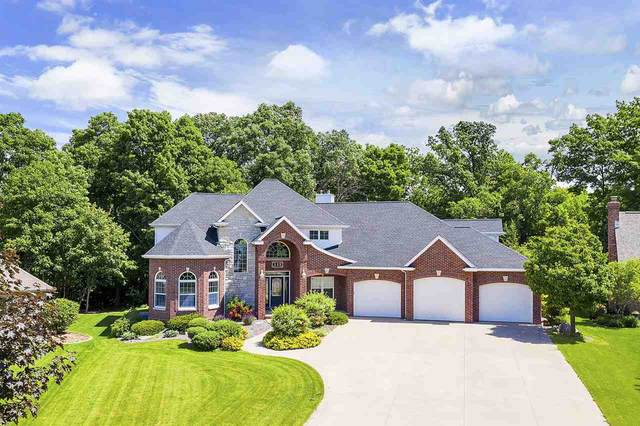 113 Parkway Drive, Combined Locks, WI 54113 (#50223652) :: Todd Wiese Homeselling System, Inc.