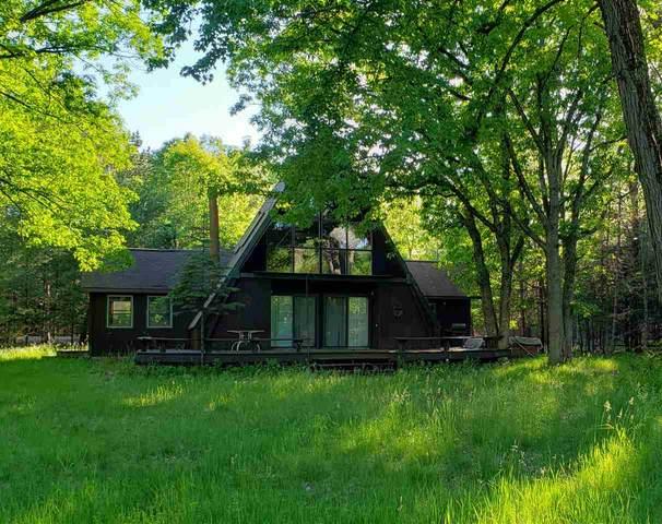 N1016 Chalet Drive, Waupaca, WI 54981 (#50223672) :: Todd Wiese Homeselling System, Inc.