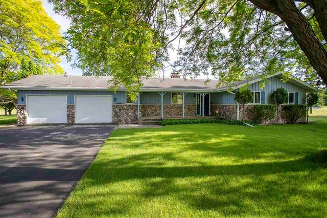 3325 W Broadway Drive, Appleton, WI 54913 (#50223729) :: Todd Wiese Homeselling System, Inc.