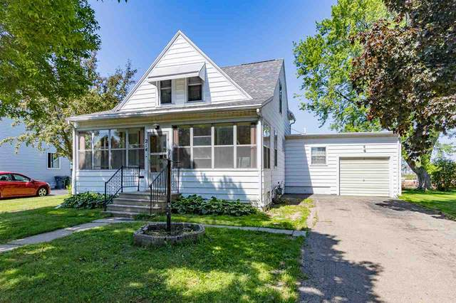 214 N John Street, Kimberly, WI 54136 (#50223749) :: Dallaire Realty