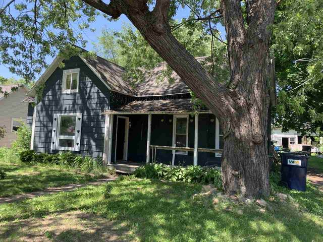 316 W Mill Street, Plainfield, WI 54966 (#50223772) :: Todd Wiese Homeselling System, Inc.
