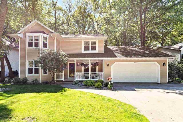 1625 Deerfield Drive, Oshkosh, WI 54904 (#50223800) :: Todd Wiese Homeselling System, Inc.