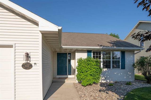 2532 Maple Grove Drive, Neenah, WI 54956 (#50223883) :: Dallaire Realty