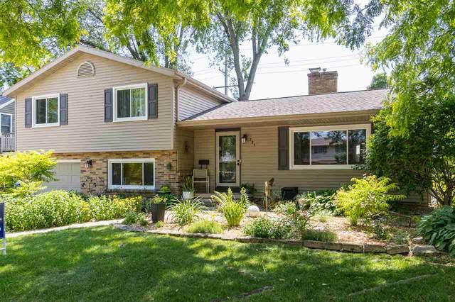 231 E Mcarthur Street, Appleton, WI 54911 (#50223930) :: Todd Wiese Homeselling System, Inc.