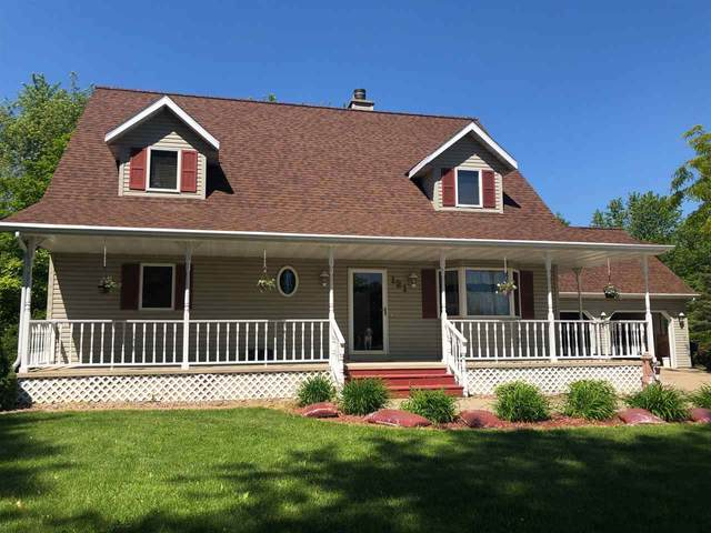 121 West Town Road, Pulaski, WI 54162 (#50223982) :: Todd Wiese Homeselling System, Inc.