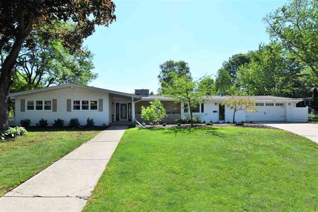 3320 Capri Court, ALLOUEZ, WI 54301 (#50223992) :: Todd Wiese Homeselling System, Inc.