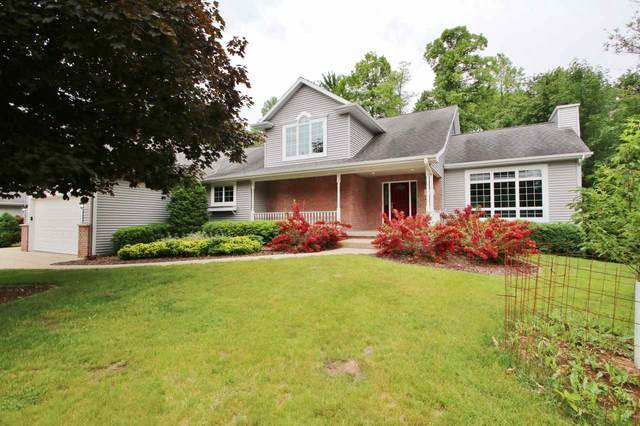 2867 Ogdan Woods Drive, Green Bay, WI 54313 (#50224146) :: Todd Wiese Homeselling System, Inc.