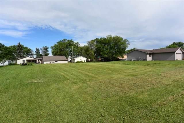 418 Prairie Way, Wrightstown, WI 54180 (#50224158) :: Todd Wiese Homeselling System, Inc.