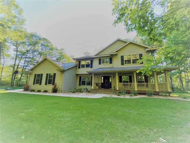 N4453 Waynes Lane, Marinette, WI 54143 (#50224163) :: Todd Wiese Homeselling System, Inc.
