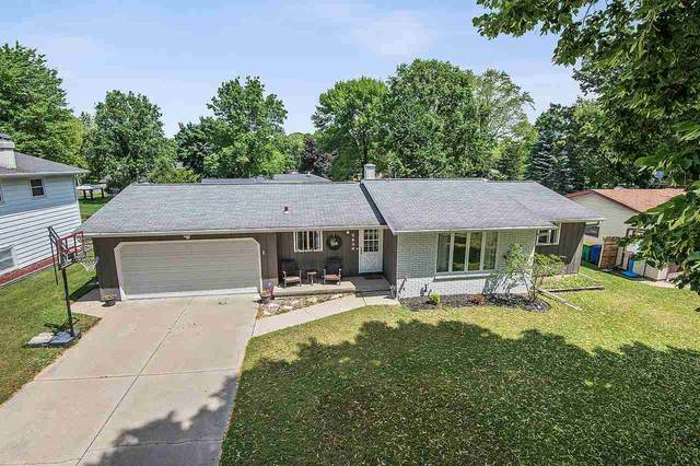 2490 He Nis Ra Lane, Green Bay, WI 54304 (#50224181) :: Dallaire Realty
