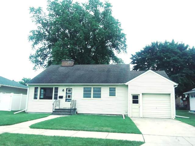 308 Maple Avenue, Fond Du Lac, WI 54935 (#50224182) :: Todd Wiese Homeselling System, Inc.