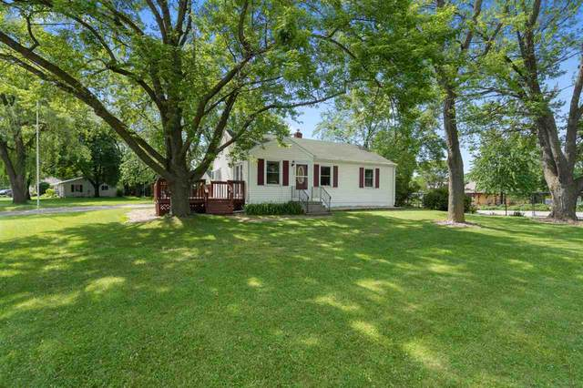 2273 S Broadway, Green Bay, WI 54304 (#50224185) :: Todd Wiese Homeselling System, Inc.