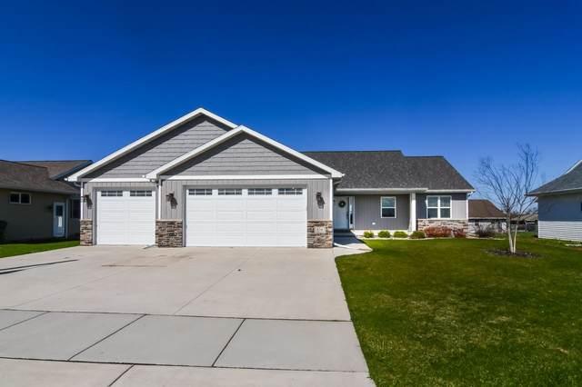 454 Longwood Lane, Wrightstown, WI 54180 (#50224189) :: Todd Wiese Homeselling System, Inc.