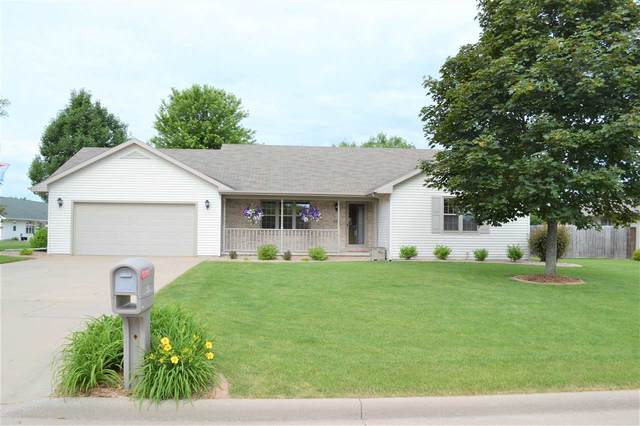 416 Longwood Lane, Wrightstown, WI 54180 (#50224197) :: Todd Wiese Homeselling System, Inc.