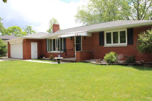 979 La Croix Avenue, Green Bay, WI 54304 (#50224205) :: Todd Wiese Homeselling System, Inc.