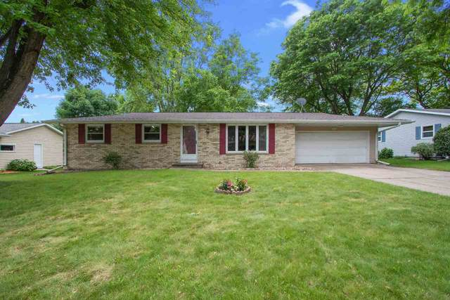 1411 Apache Avenue, Green Bay, WI 54313 (#50224230) :: Todd Wiese Homeselling System, Inc.