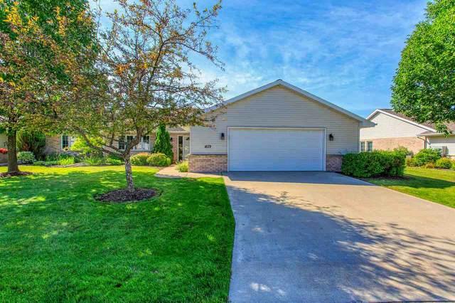 1679 Twin Lakes Circle, Green Bay, WI 54311 (#50224270) :: Ben Bartolazzi Real Estate Inc