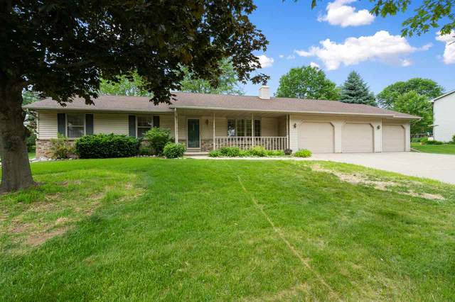 2020 Hilltop Drive, Green Bay, WI 54313 (#50224279) :: Todd Wiese Homeselling System, Inc.