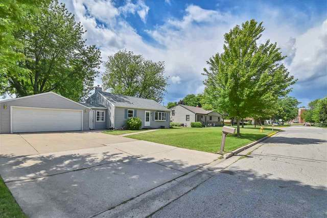 2108 Barberry Lane, Green Bay, WI 54304 (#50224316) :: Symes Realty, LLC