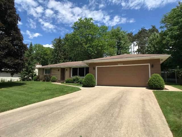120 Robin Lane, Shawano, WI 54166 (#50224327) :: Todd Wiese Homeselling System, Inc.
