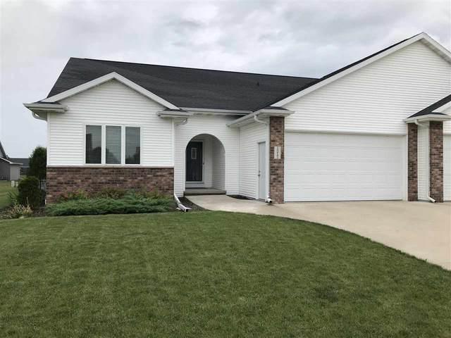 1217 Lavender Lane, Appleton, WI 54915 (#50224346) :: Todd Wiese Homeselling System, Inc.