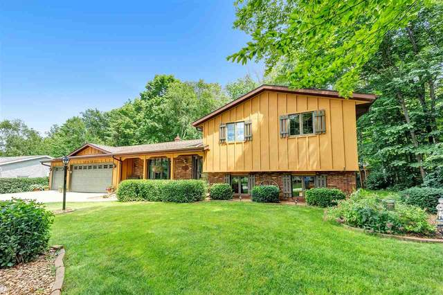 3182 Carnoustie Way, New Franken, WI 54229 (#50224385) :: Todd Wiese Homeselling System, Inc.