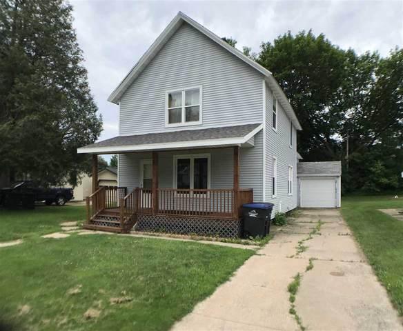 611 S Lafayette Street, Shawano, WI 54166 (#50224424) :: Todd Wiese Homeselling System, Inc.