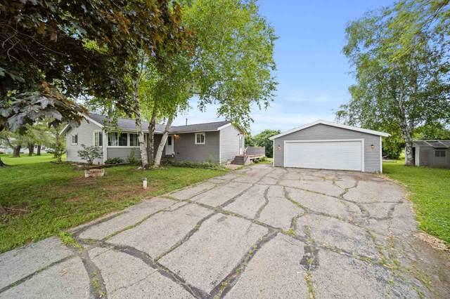 132 Horseshoe Road, Oshkosh, WI 54904 (#50224446) :: Todd Wiese Homeselling System, Inc.