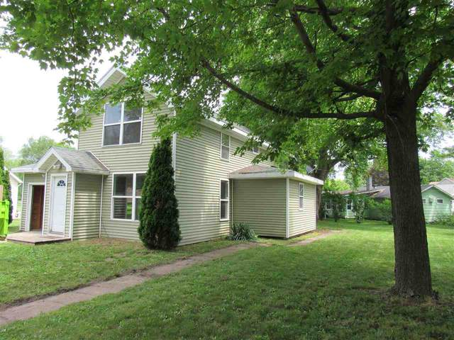 202 Water Street, Berlin, WI 54923 (#50224481) :: Dallaire Realty