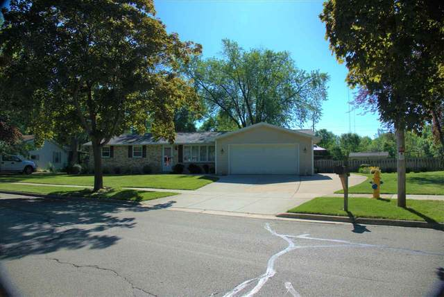 1261 S 7TH Street, De Pere, WI 54115 (#50224493) :: Todd Wiese Homeselling System, Inc.