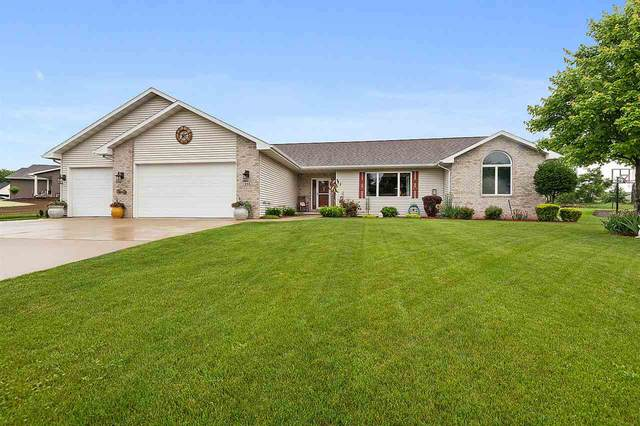 215 Emily Way, Hortonville, WI 54944 (#50224503) :: Todd Wiese Homeselling System, Inc.