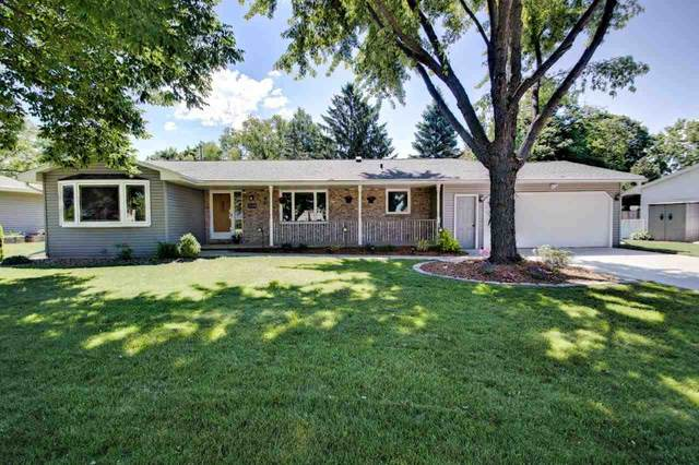 2400 Palisades Drive, Appleton, WI 54915 (#50224526) :: Dallaire Realty
