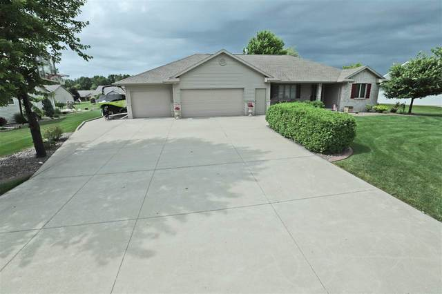 W6317 Elpaso Drive, Greenville, WI 54942 (#50224595) :: Symes Realty, LLC