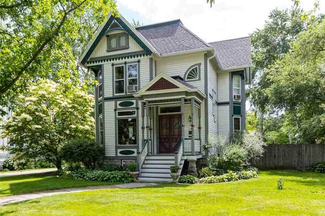 1141 Algoma Boulevard, Oshkosh, WI 54901 (#50224625) :: Todd Wiese Homeselling System, Inc.