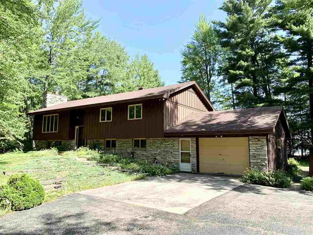 W5346 W Loon Lake Circle, Shawano, WI 54166 (#50224675) :: Todd Wiese Homeselling System, Inc.