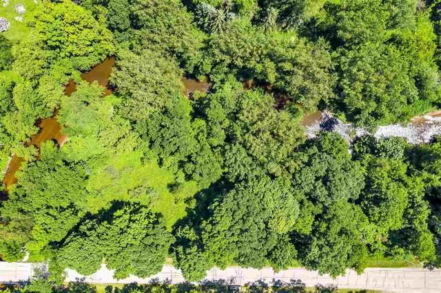 3000 Bridge Road, Suamico, WI 54313 (#50224823) :: Ben Bartolazzi Real Estate Inc