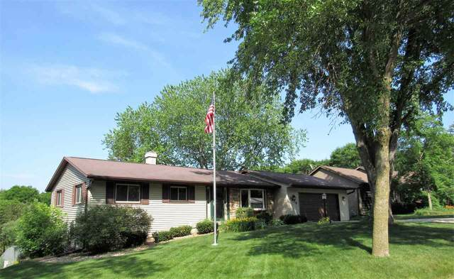 1325 Mirage Drive, Green Bay, WI 54313 (#50224837) :: Todd Wiese Homeselling System, Inc.