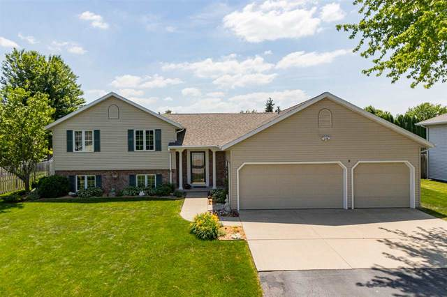 W2433 Snowberry Drive, Appleton, WI 54915 (#50224839) :: Todd Wiese Homeselling System, Inc.