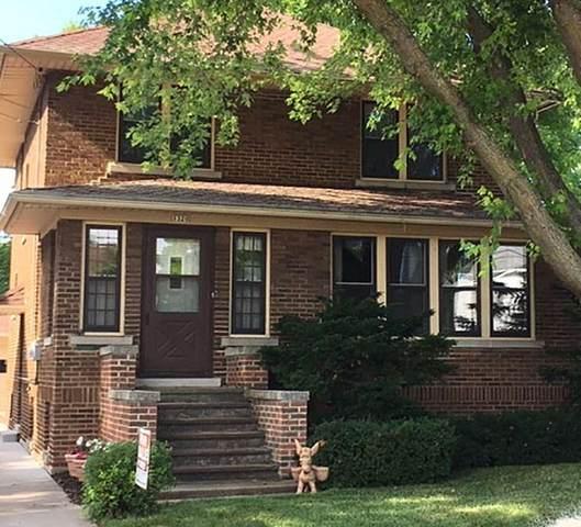 1320 Rahr Avenue, Oshkosh, WI 54901 (#50224885) :: Todd Wiese Homeselling System, Inc.