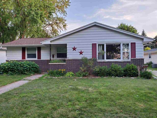 1784 Lilac Lane, Green Bay, WI 54302 (#50224888) :: Todd Wiese Homeselling System, Inc.