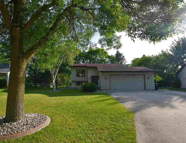 65 Hillock Court, Appleton, WI 54914 (#50224889) :: Todd Wiese Homeselling System, Inc.