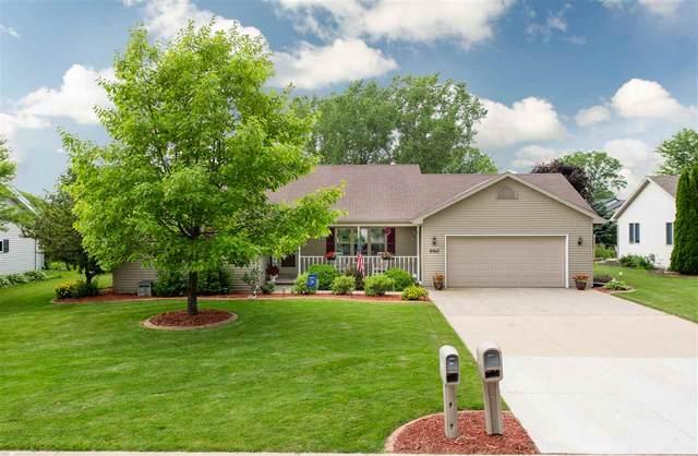 N8967 Willow Lane, Menasha, WI 54952 (#50224920) :: Todd Wiese Homeselling System, Inc.